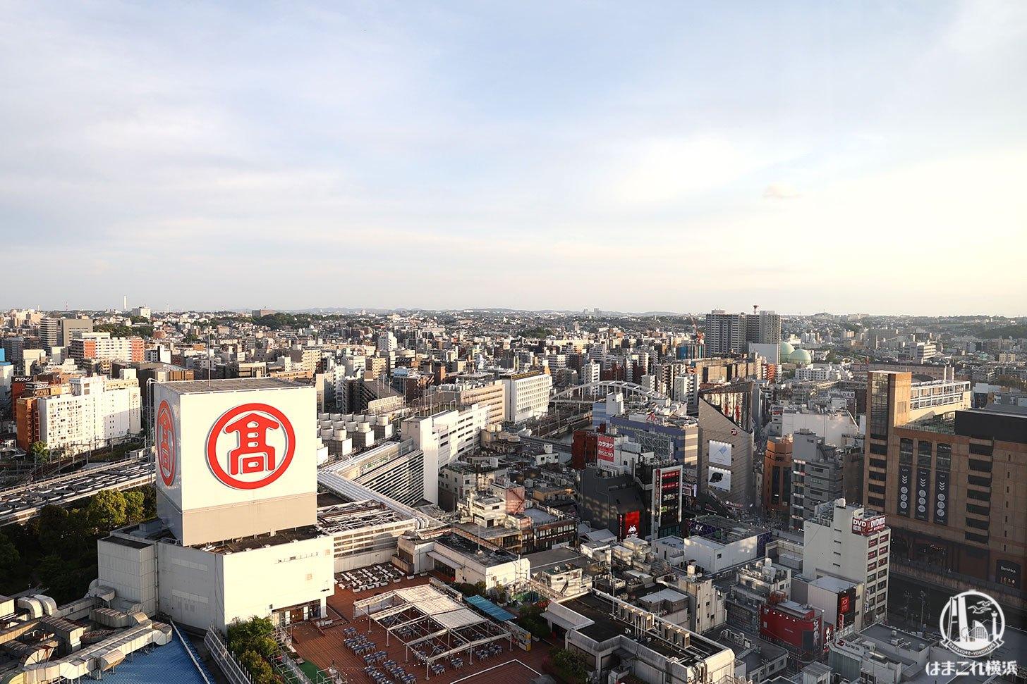 ラグジュアリーフロア「デラックスルーム」から見た横浜高島屋側の景色