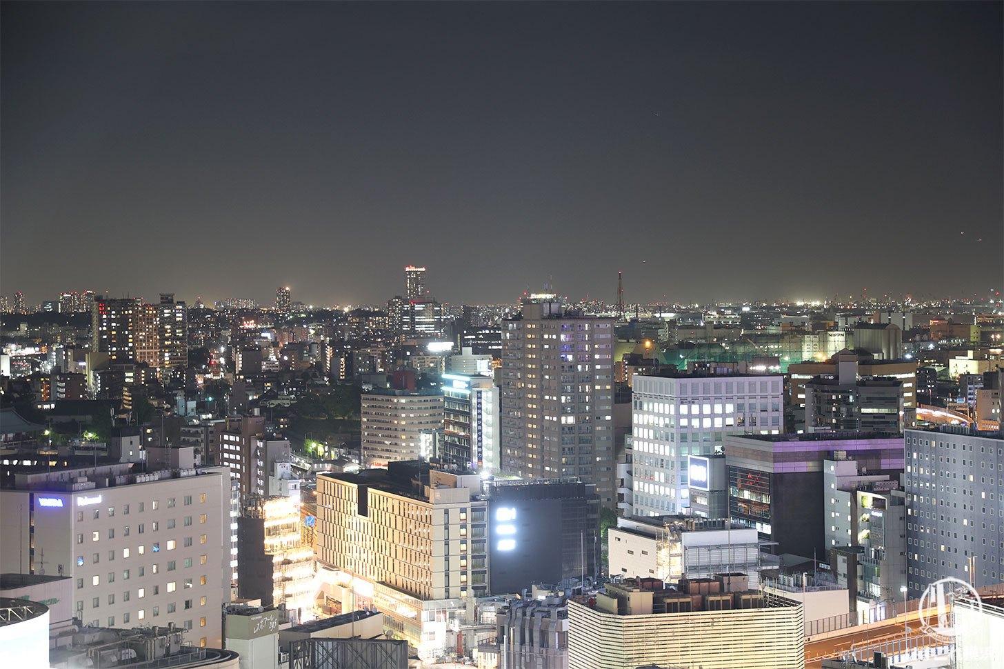ラグジュアリーフロア「デラックスルーム」から見た夜景