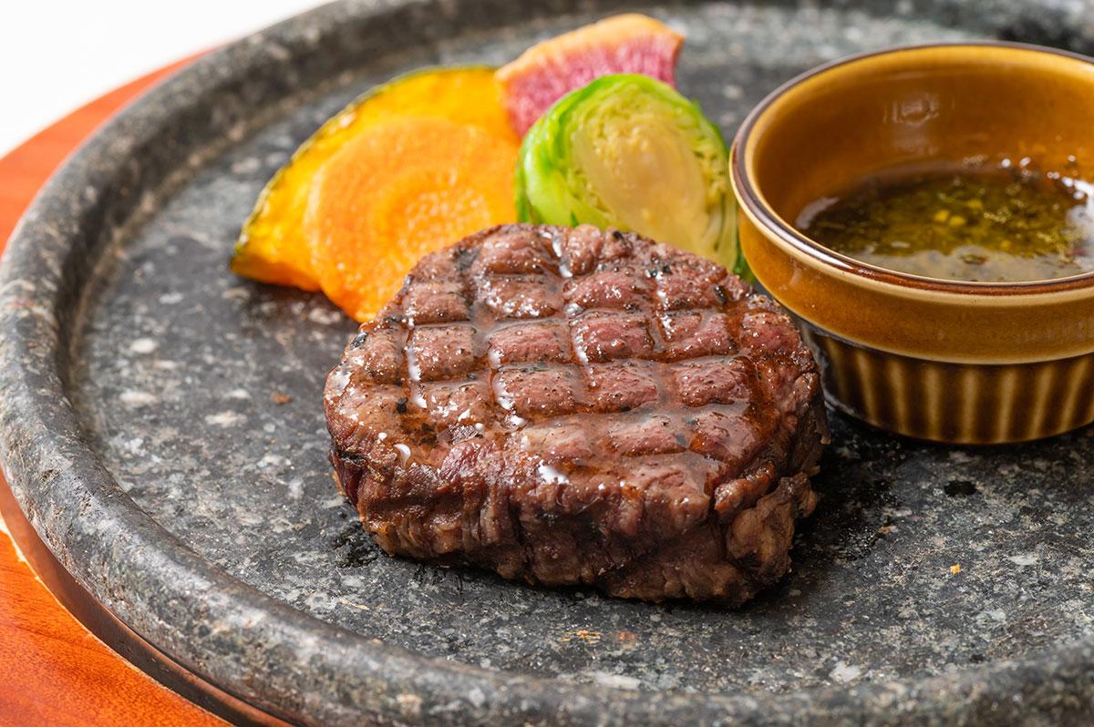 北海道産黒毛和牛「e-びーふ」の石焼ステーキ