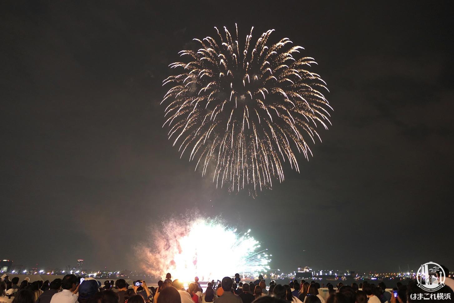 横浜開港祭・2021年6月2日に横浜市内18区で同時打ち上げ花火!19時54分〜