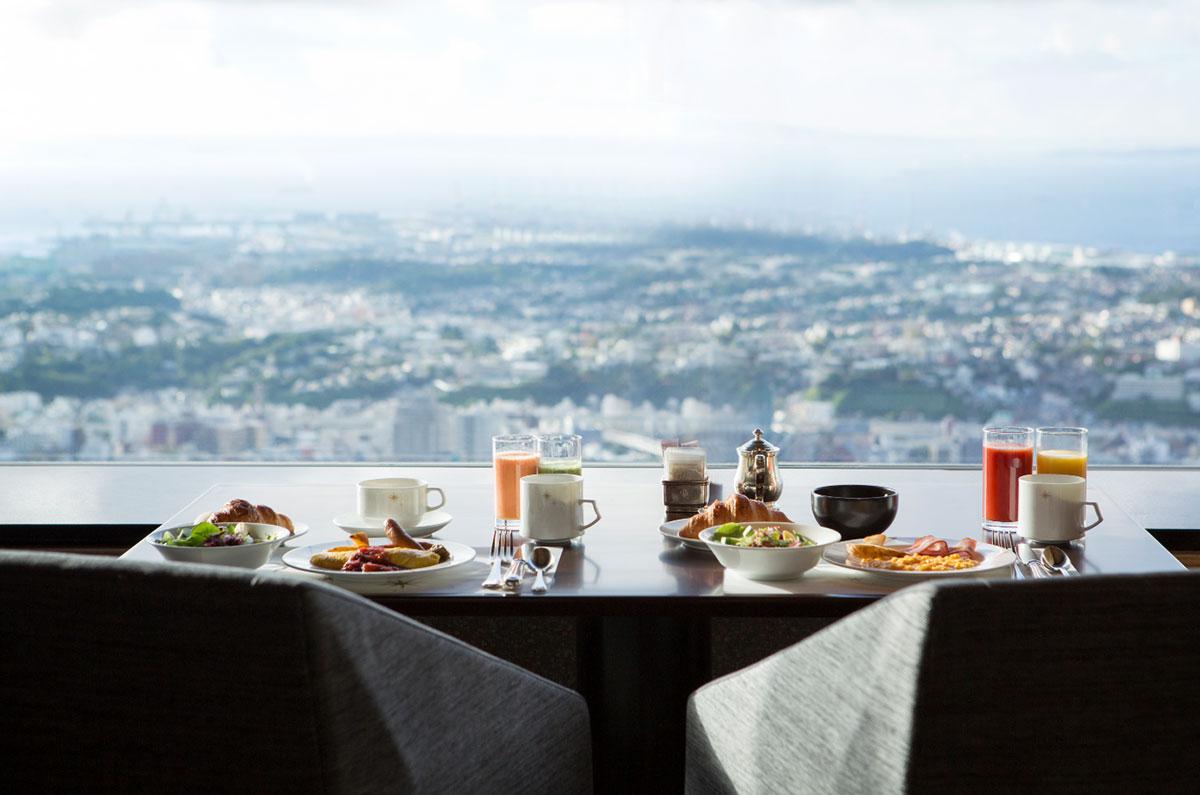 横浜ロイヤルパークホテル 70F スカイラウンジ「シリウス」 朝食イメージ