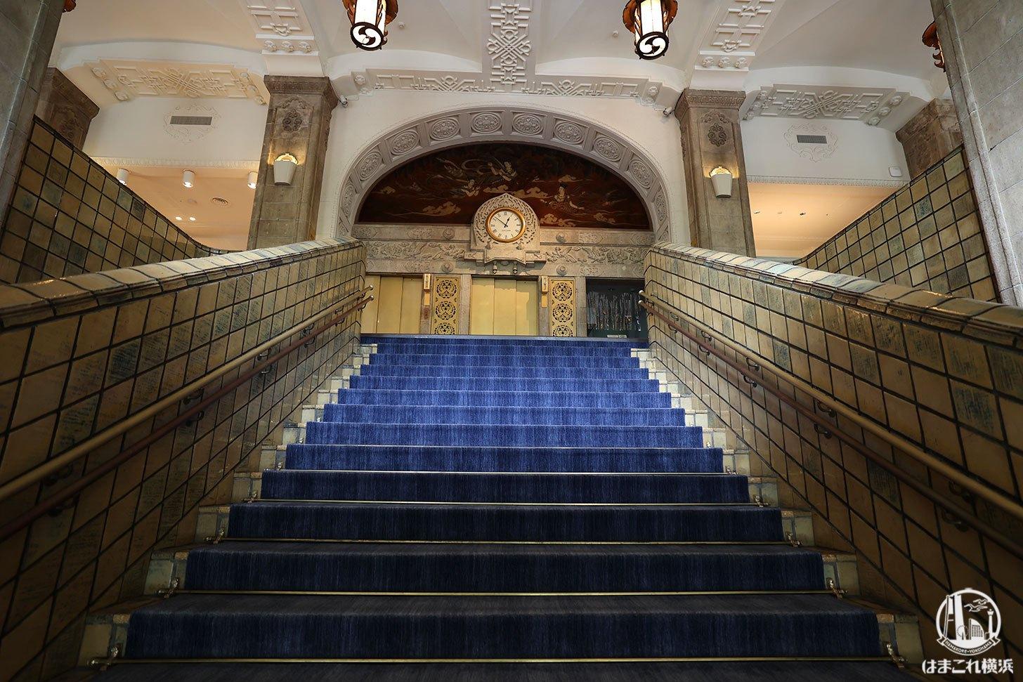 ホテルニューグランド本館の階段