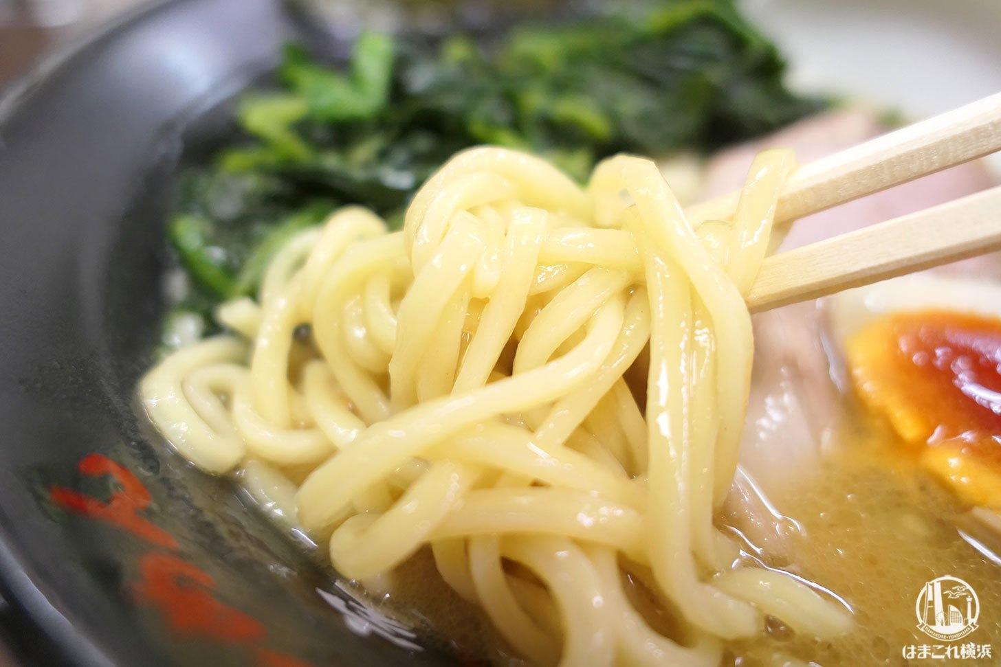 家系ラーメン 太麺