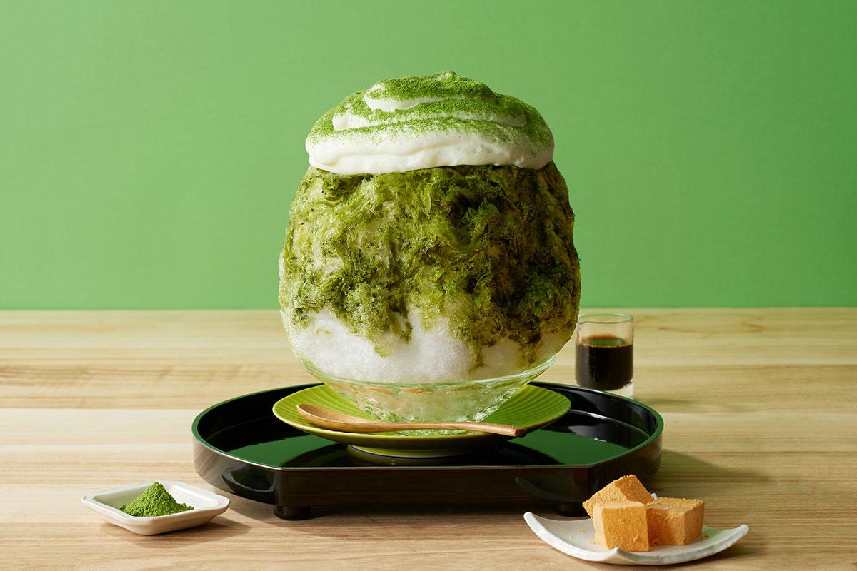 鎌倉小町とろふわかき氷―抹茶・わらび餅―