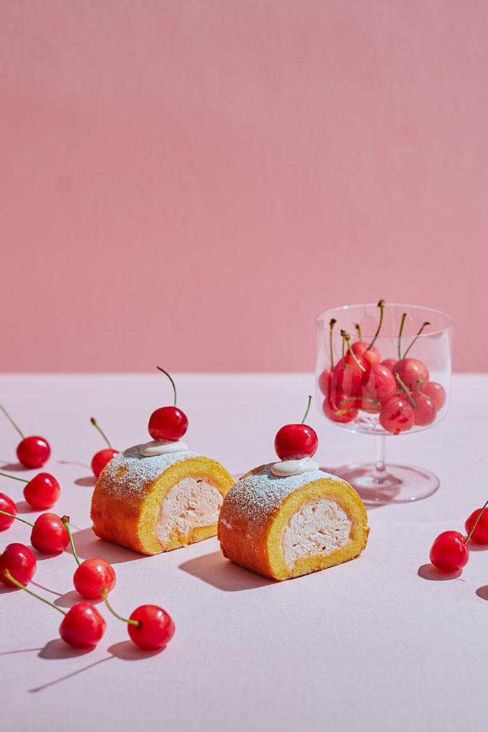 ロールケーキ さくらんぼ