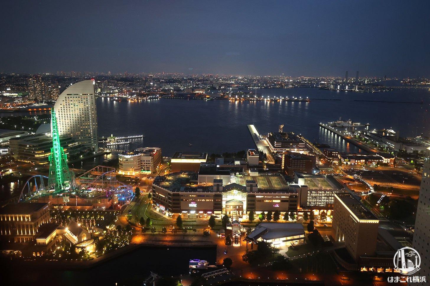 横浜北仲ノット無料展望台から見た夜景 横浜ワールドポーターズや東京側