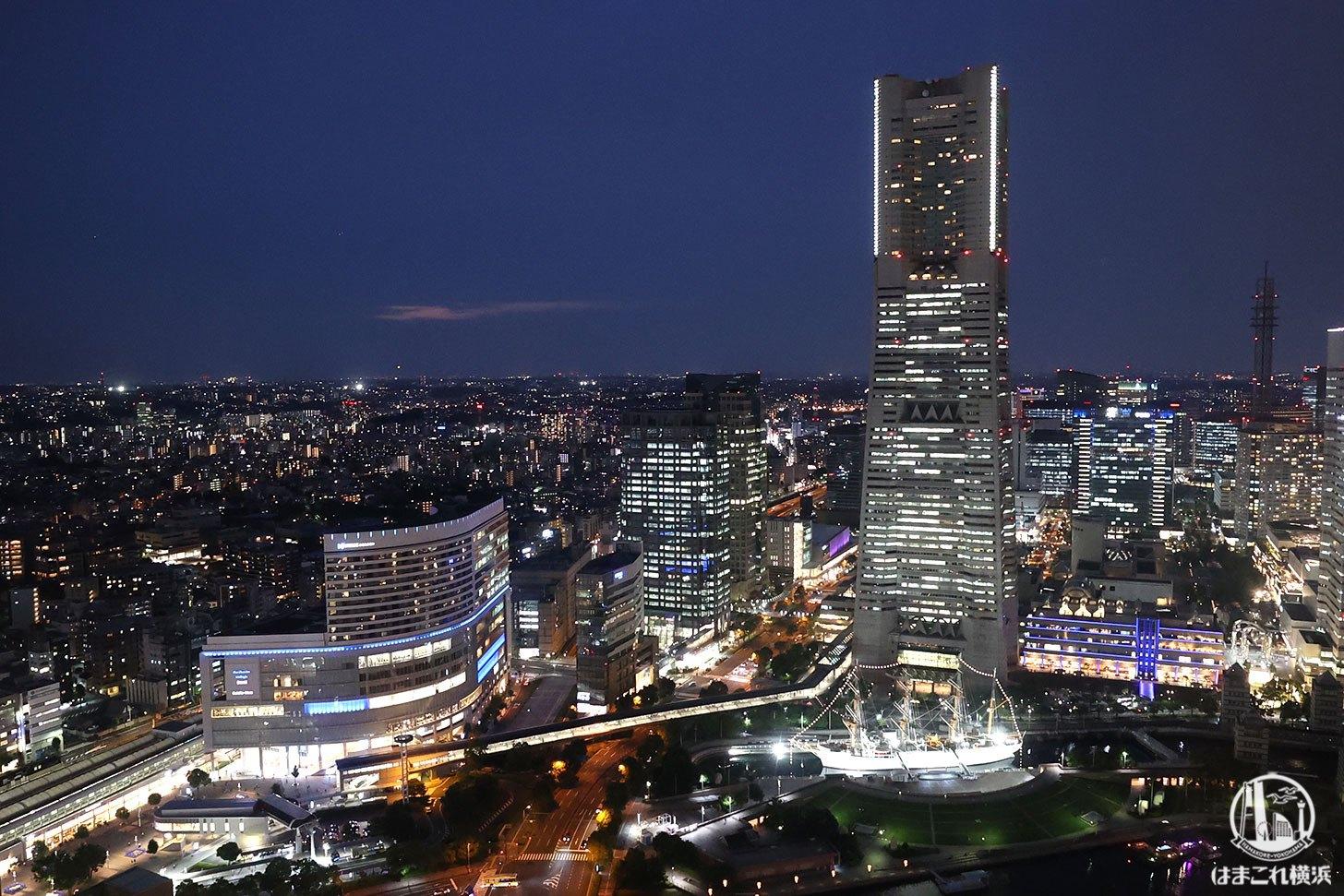 横浜北仲ノット無料展望台から見た夜景 横浜ランドマークタワーや横浜駅側