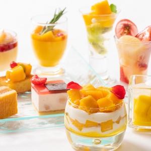横浜ベイシェラトンでマンゴー&ピーチのスイーツブッフェ「Sweets Parade」開催!