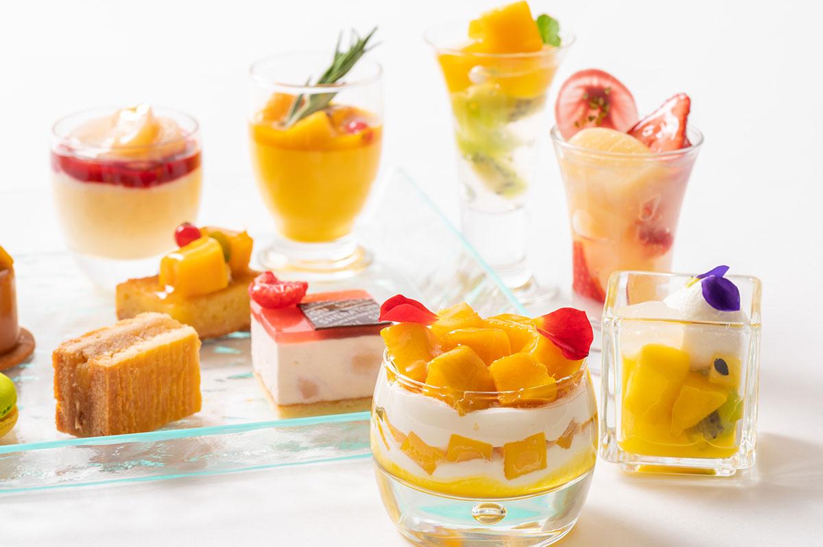 横浜ベイシェラトンでマンゴー&ピーチのスイーツブッフェ「Sweets Parade」開催!月替パフェも用意