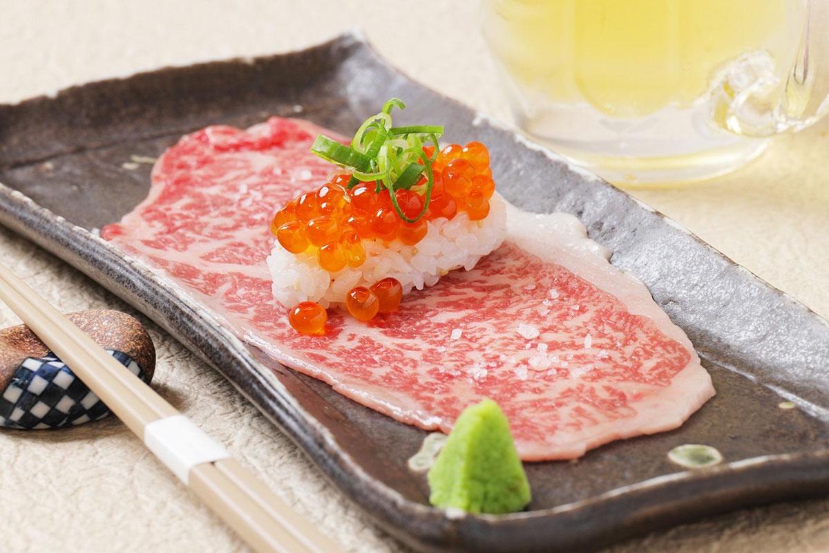 黒毛和牛の炙り寿司 750円(税込)