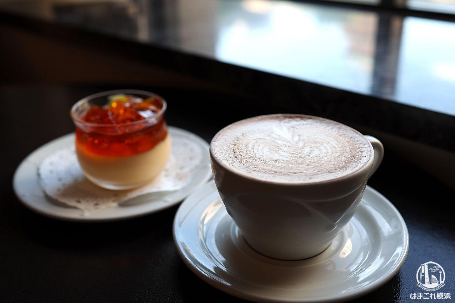 モンプディングとカフェクレーム
