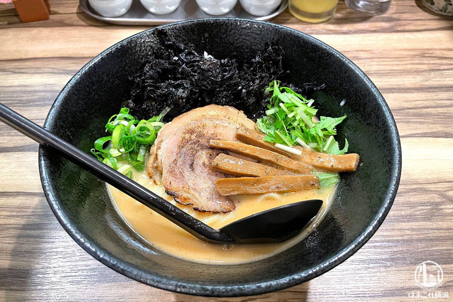麺や「ふくわらい」豚骨かつおラーメン実食!素材の掛け算も魅力の横浜鶴見ラーメン店