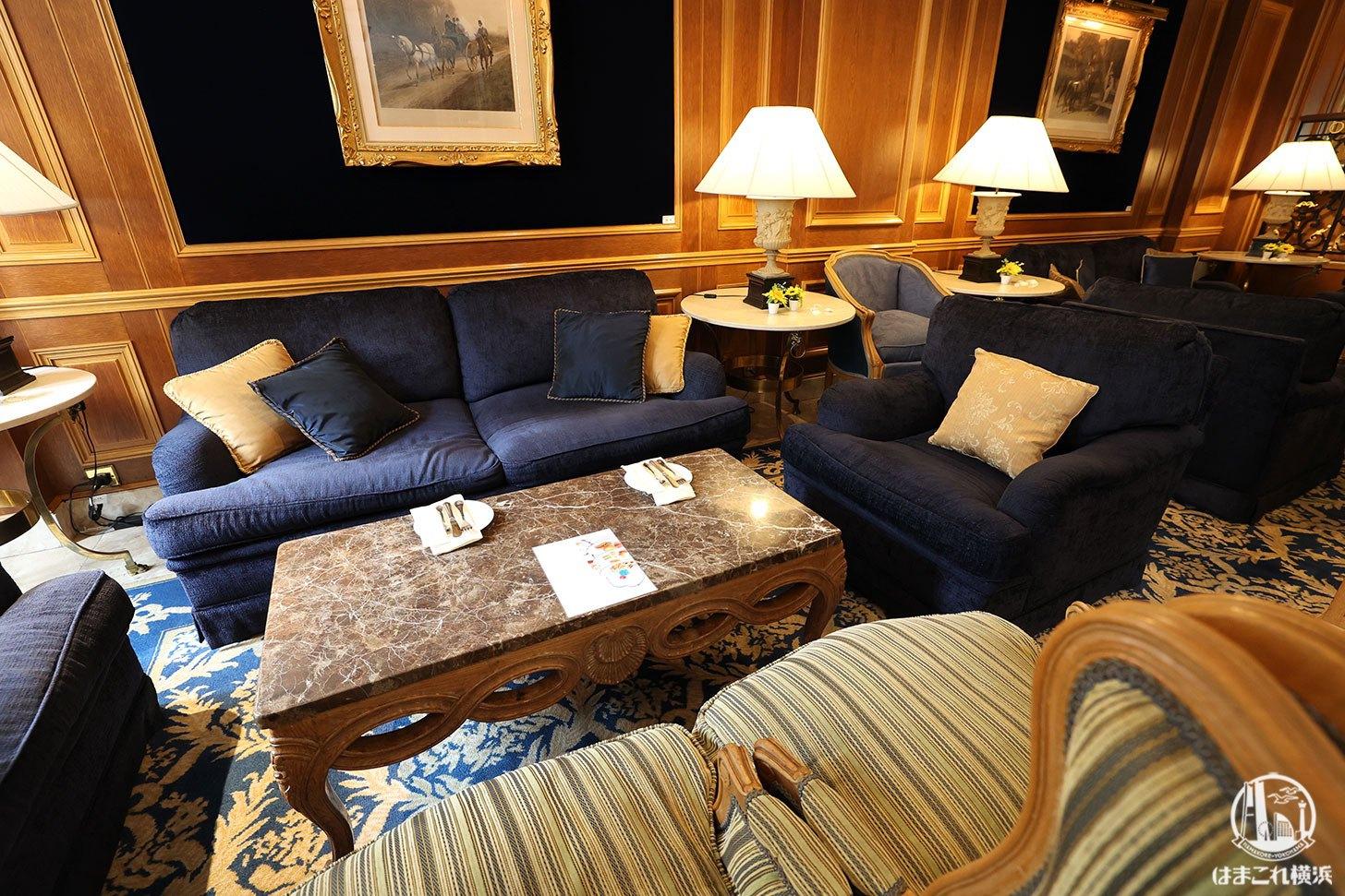 ラウンジ「ラ・テラス」のソファー席