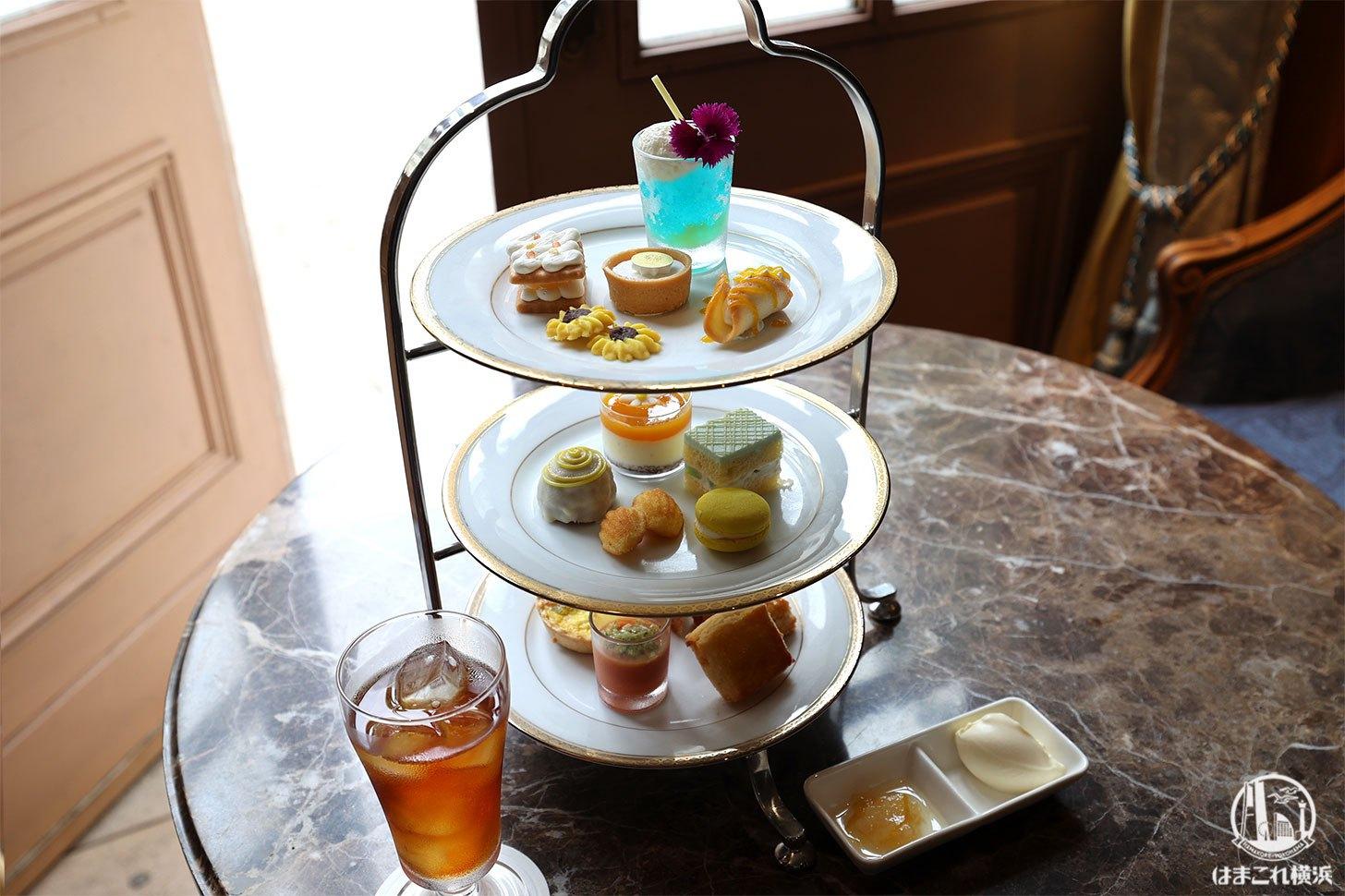 ホテルニューグランド「ラ・テラス」のアフタヌーンティーは紅茶も格別!ラウンジからは素敵な中庭