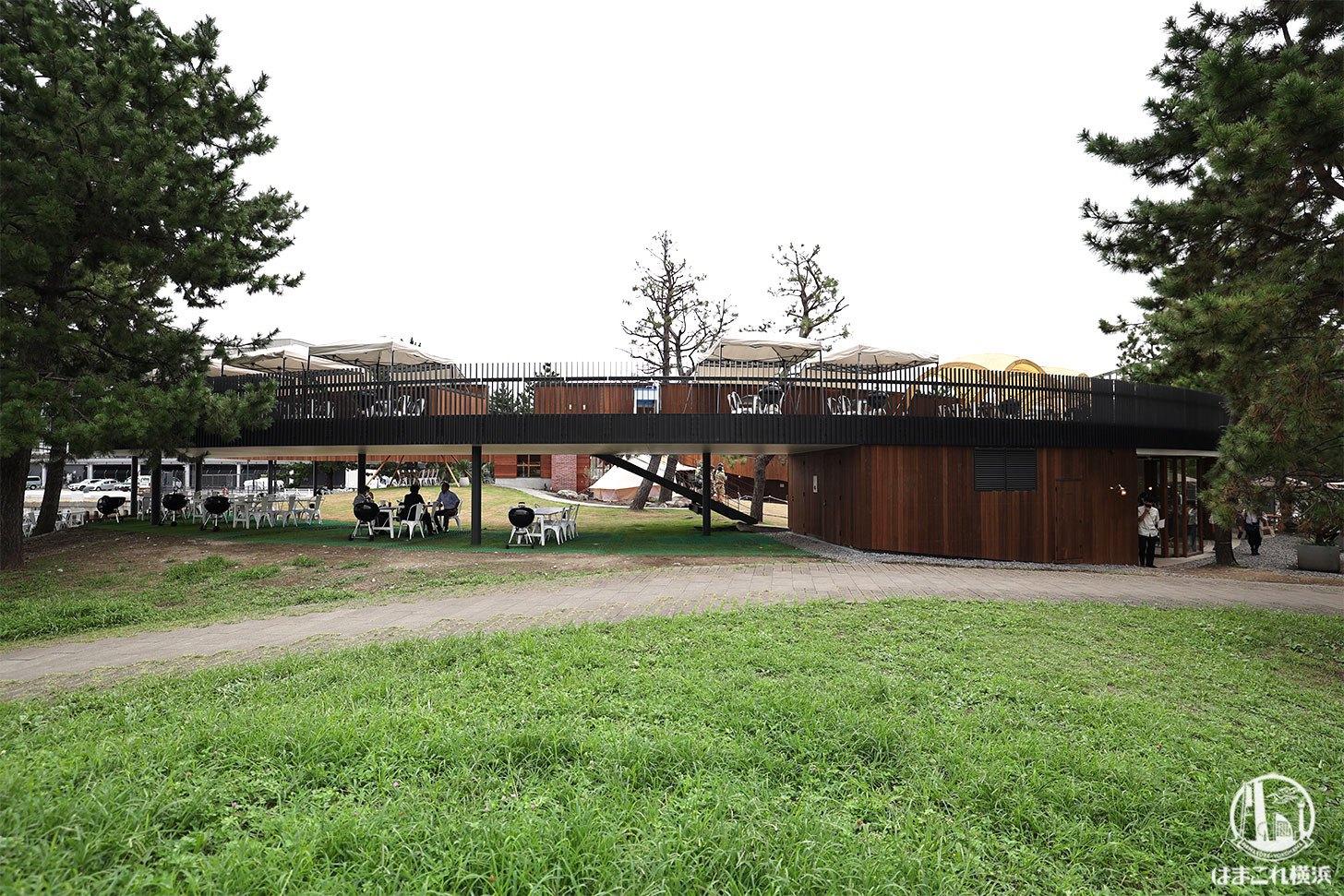グランピング施設「ドリームドアヨコハマハンマーヘッド」ツリーランドサークル全景