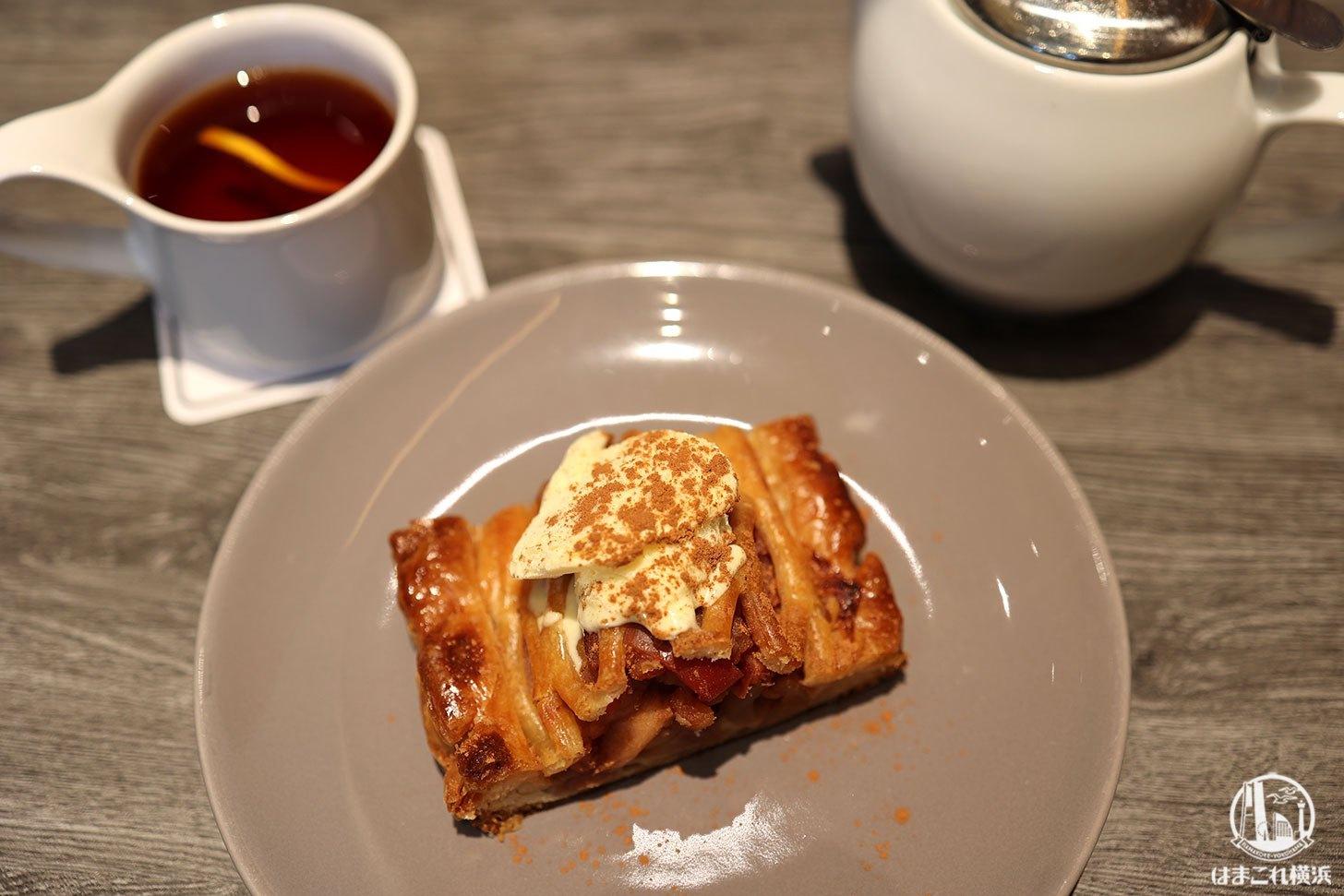 紅玉とふじりんごのアップルパイとディンブラ