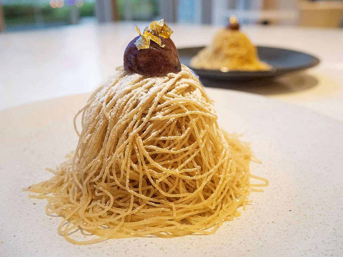 賞味時間30秒!和栗の生搾りモンブランがアニヴェルセルカフェみなとみらい横浜に新登場!