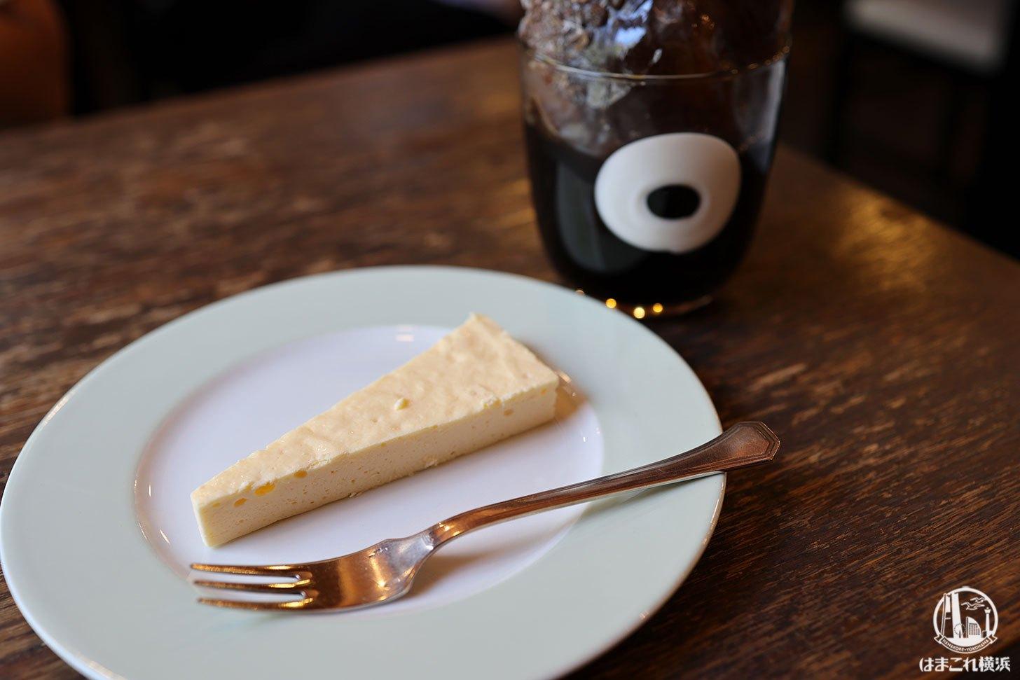 アイスコーヒーとレアチーズケーキ