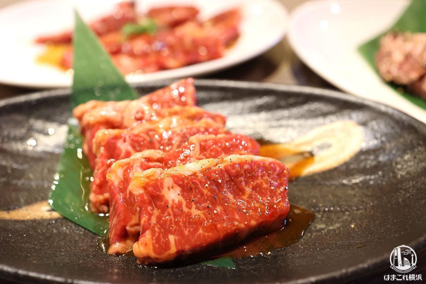 熱烈カルビ横浜三ツ沢は席ゆったりの焼肉店!車で行きやすく駐車場も完備