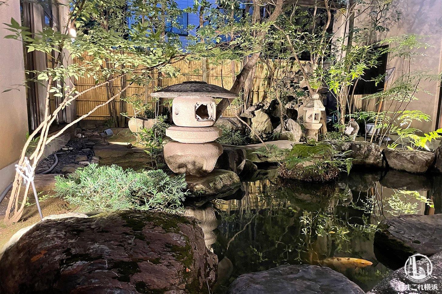 個室から見た庭の風景
