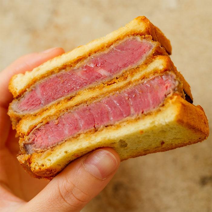 横浜限定 厳選ヒレ肉のブリオッシュダブルカツサンド