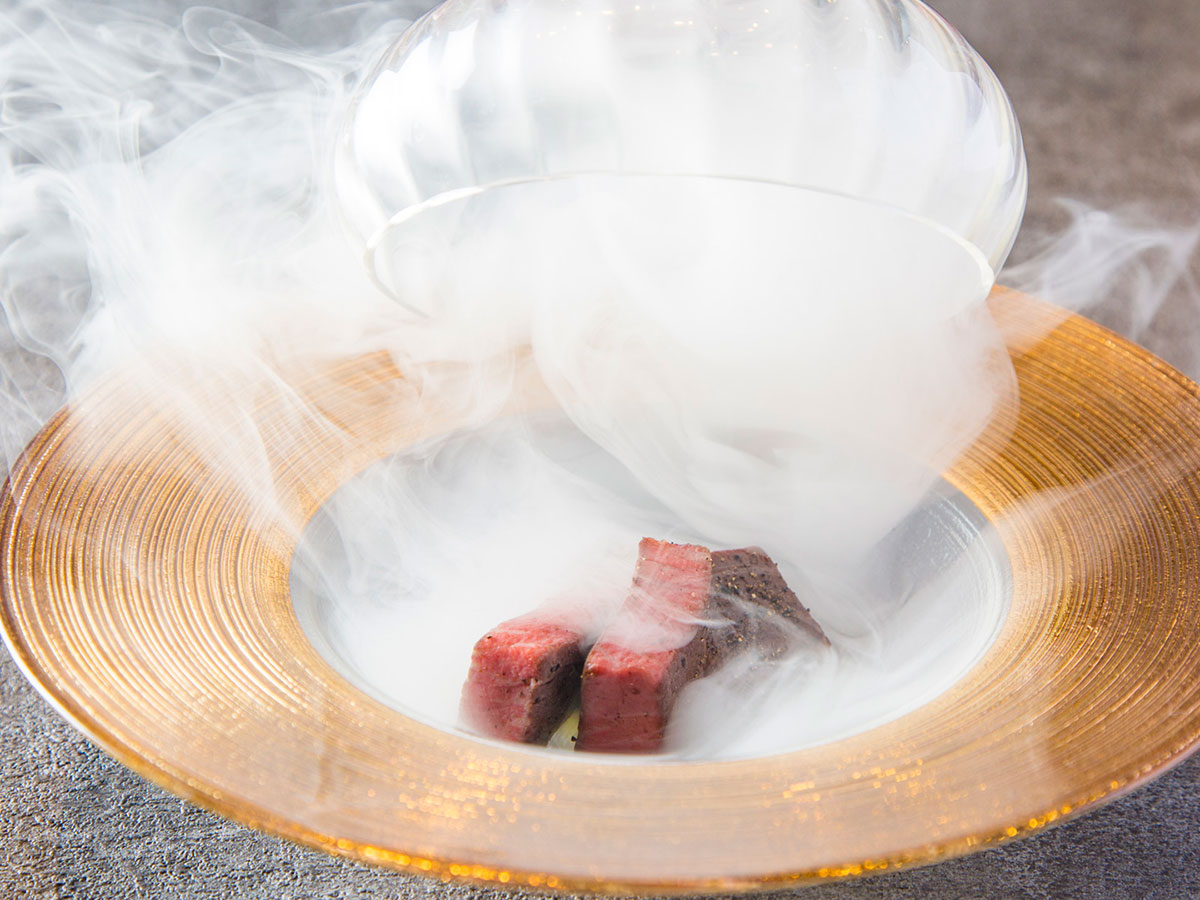特選和牛ヒレのうしみつ焼き 〜瞬間燻製〜