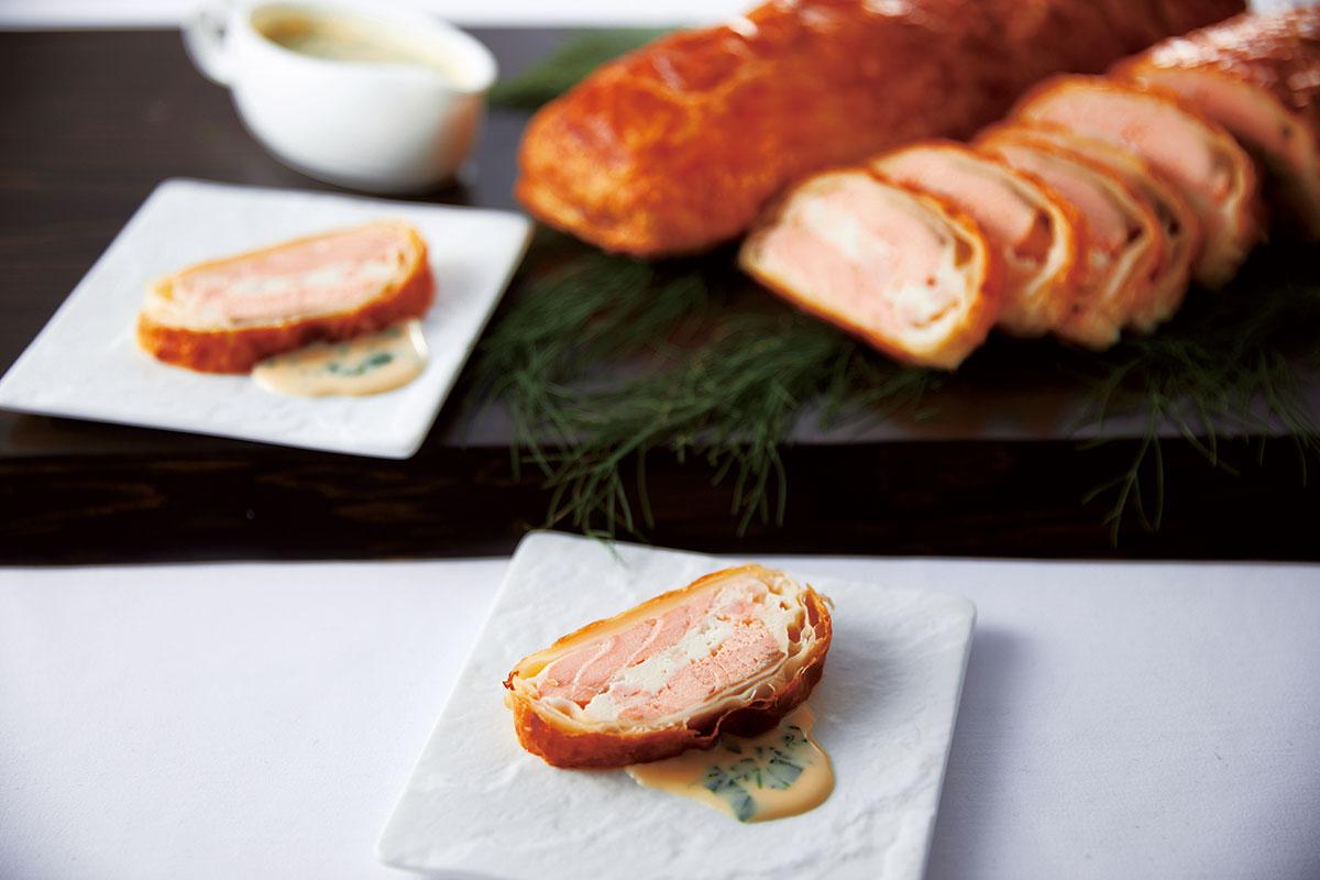 サーモンのパイ包み焼き チーズのクリームソース