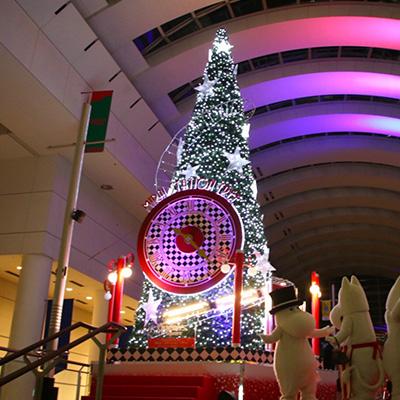 2018年 クイーンズスクエア横浜のクリスマスツリー点灯!今年話題の曲と光で演出